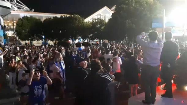 Πανηγυρισμοί των Ελλήνων της Μελβούρνης για τη νίκη του Τσιτσιπά