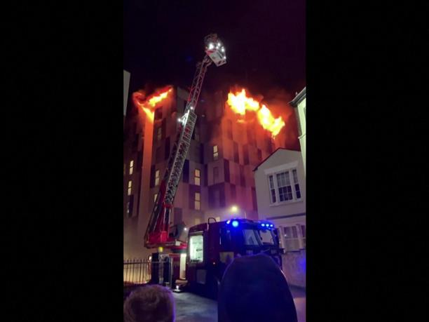 Φωτιά σε κοιτώνες φοιτητών