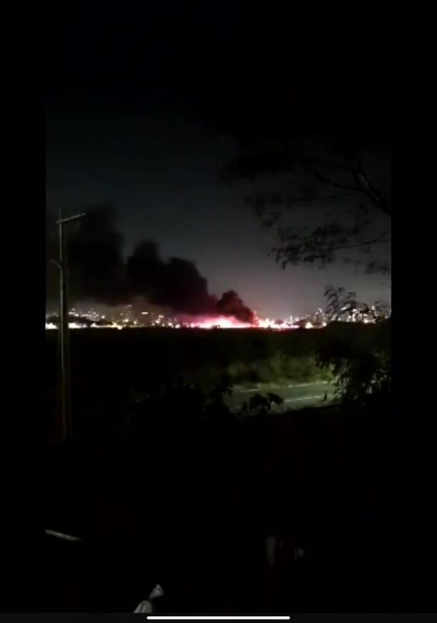 Μεγάλη φωτιά από συντριβή αεροσκάφους