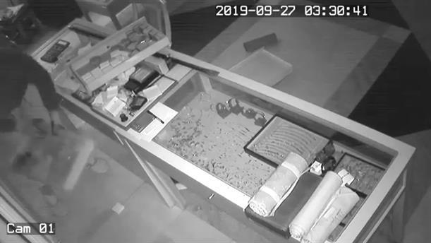 Κινηματογραφική διάρρηξη σε κοσμηματοπωλείο στην Αλεξάνδρεια