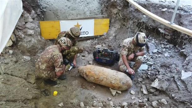 Εκκένωση γειτονιάς για απενεργοποίηση βόμβας