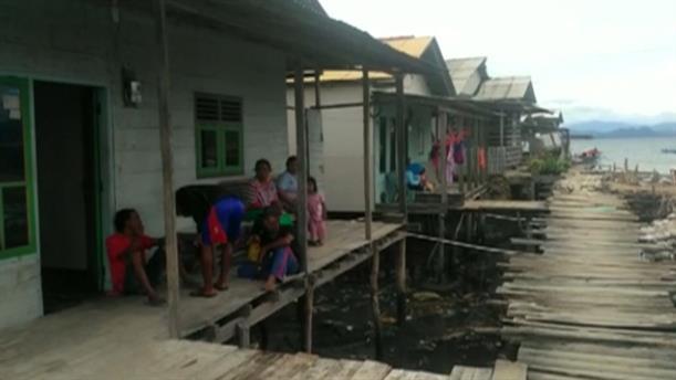 Συνεχώς αυξάνεται ο αριθμός των θυμάτων από το τσουνάμι στην Ινδονησία