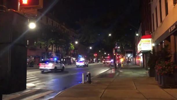 ?Ένας αστυνομικός δέχθηκε πυροβολισμούς και ένας δεύτερος μαχαιρώθηκε στο Μπρούκλιν