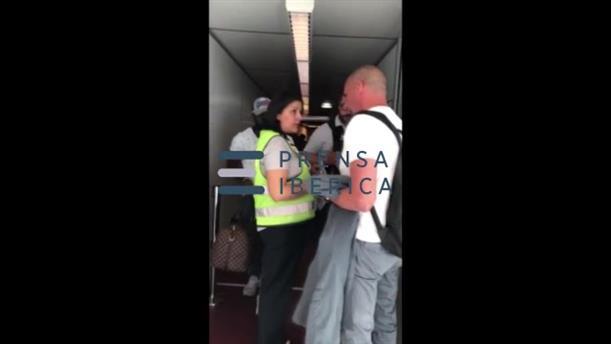Αντιπαράθεση με αστυνομικό στο Σαρλ ντε Γκολ είχε ο Γιάνης Βαρουφάκης