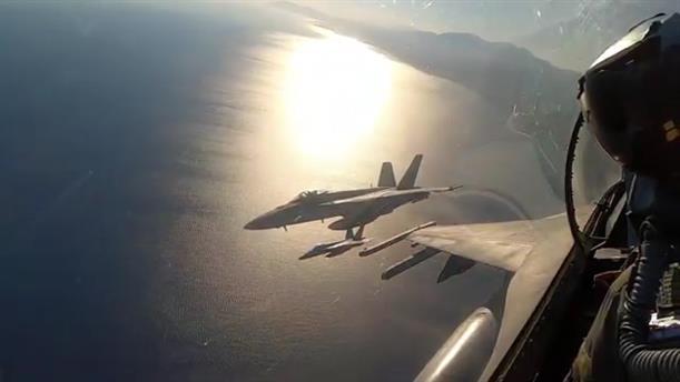 Συνεκπαίδευση των ΕΔ με τo Αεροπλανοφόρο Eisenhower