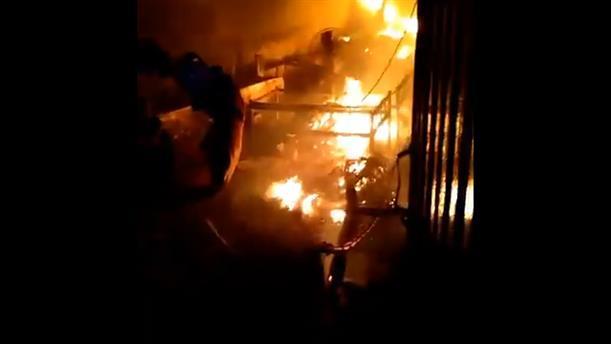 Αεροσκάφος κατέπεσε πάνω σε κτήριο στο Πακιστάν