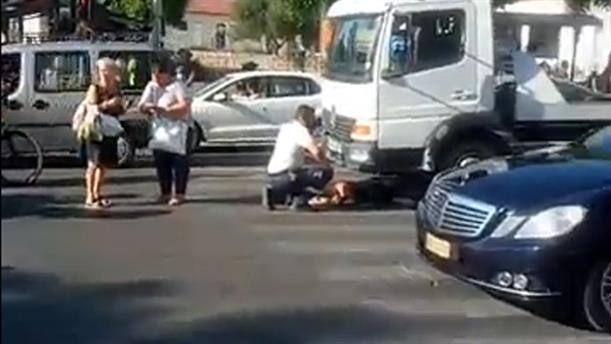 Φορτηγό παρέσυρε ηλικιωμένη στα Χανιά