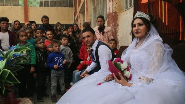 Γάμος σε καταυλισμό στη Συρία