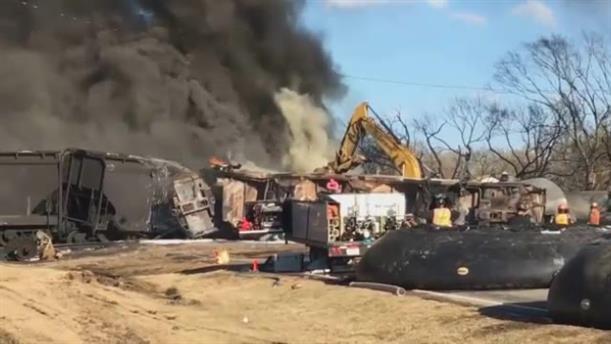 Τρένο συγκρούστηκε με φορτηγό στο Τέξας