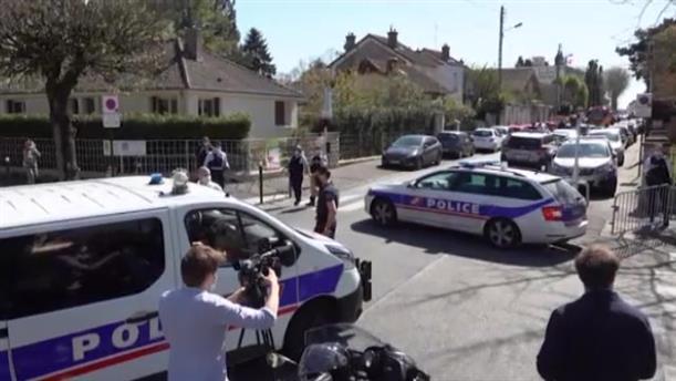 Επίθεση με μαχαίρι σε αστυνομικό στο Παρίσι