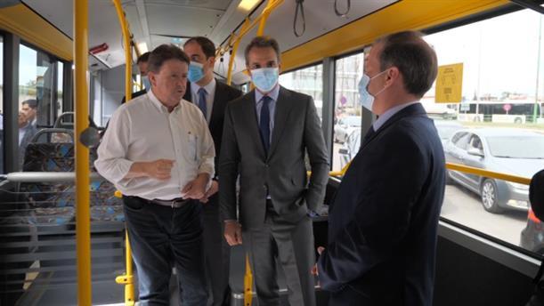 Επίσκεψη Κυριάκου Μητσοτάκη στο σταθμό λεωφορείων «Μακεδονία» στη Θεσσαλονίκη