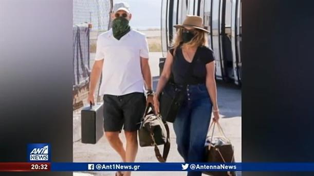 Ο Τομ Χανκς έφθασε στην Αντίπαρο με ιδιωτικό τζετ και… μάσκα