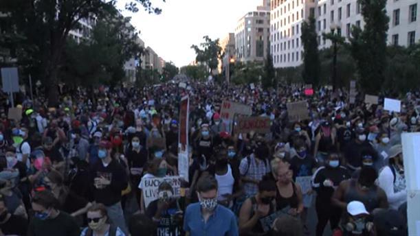 ΗΠΑ: Ειρηνικές διαδηλώσεις μέχρι το Λευκό Οίκο