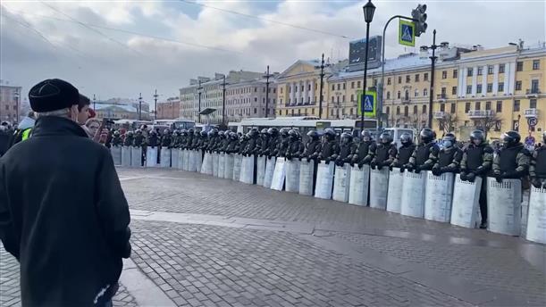Διαδηλώσεις υπέρ του Ναβάλνι και συλλήψεις στην Αγία Πετρούπολη