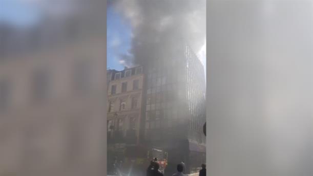 Πυρκαγιά σε εστιατόριο στο Λονδίνο