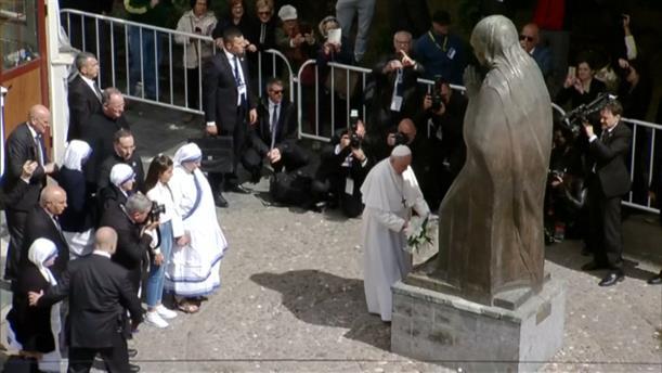 Φόρος τιμής του Πάπα Φραγκίσκου στην Μητέρα Τερέζα