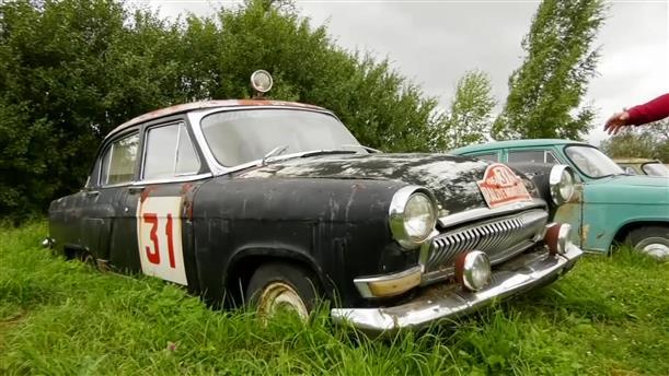 Ρώσος συλλέγει σοβιετικά αυτοκίνητα