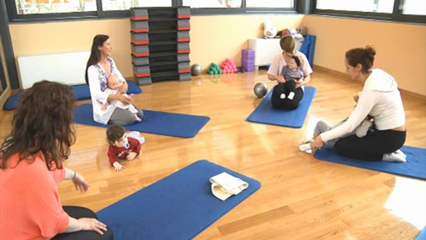 Baby Yoga 6-12: Στήριξη στα χέρια και θέσεις σε ζευγάρια