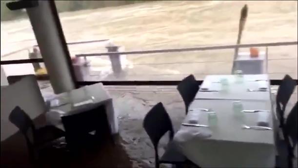 Σαρωτικές πλημμύρες πλήττουν τη νοτιοανατολική Γαλλία