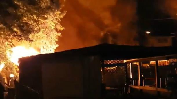 Πύρινη κόλαση σε συνοικία του Οντάριο