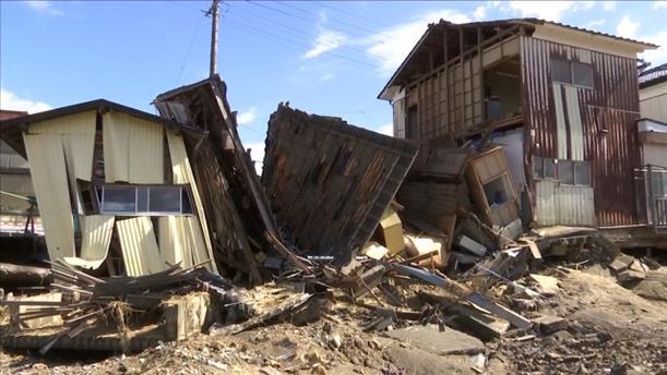 Μεγάλες οι καταστροφές μετά τον πέρασμα του τυφώνα από την Ιαπωνία