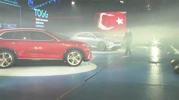 Ο Ερντογάν παρουσίασε τα δύο πρώτα ηλεκτρικά αυτοκίνητα τουρκικής κατασκευής