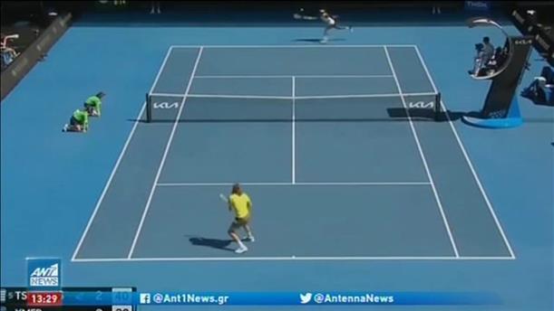 Australian Open: πέρασε στους 16 ο Τσιτσιπάς
