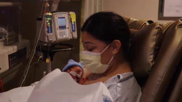 Χαβάη: Γέννησε μέσα στο αεροπλάνο