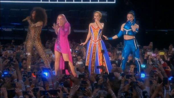 Δυναμικό comeback των Spice Girls