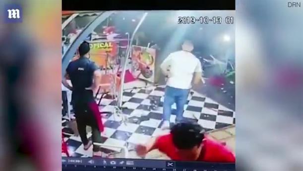 Μεθυσμένος οδηγός διαλύει εστιατόριο γεμάτο πελάτες στο Μαρόκο