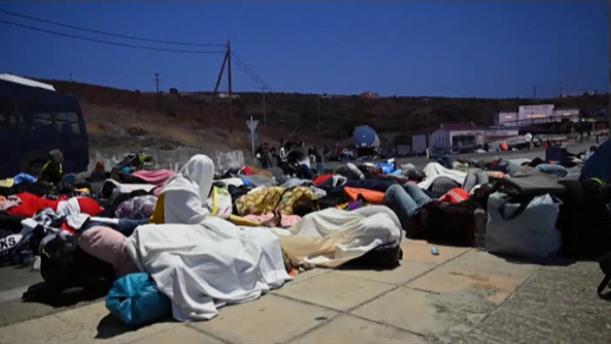 Φωτιά στη Μόρια: Στους δρόμους κοιμήθηκαν οι πρόσφυγες