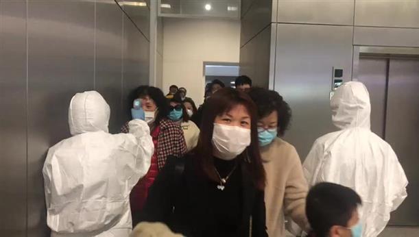 """""""Ελ. Βενιζέλος"""": Θερμομέτρηση επιβατών που έφτασαν απο την Κίνα"""