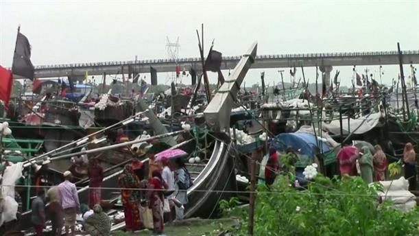 Καταστροφές από τον κυκλώνα στο Μπαγκλαντές