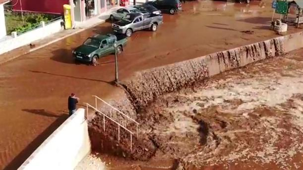Βίντεο από drone με τις πλημμύρες στην Αγία Ευφυμία