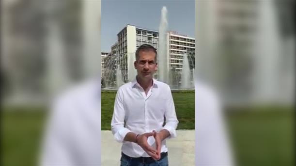 Ο Κώστας Μπακογιάννης για την κοσμοσυρροή στα εγκαίνια του συντριβανιού