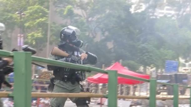 Δακρυγόνα και συλλήψεις στο Χονγκ Κονγκ