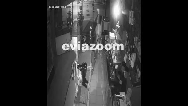 Χαλκίδα: Η στιγμή της διάρρηξης σε κατάστημα cafe