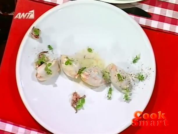 Καλαμάρια γεμιστά με χωριάτικη σαλάτα