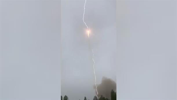 Κεραυνός χτύπησε πύραυλο Soyuz στον αέρα