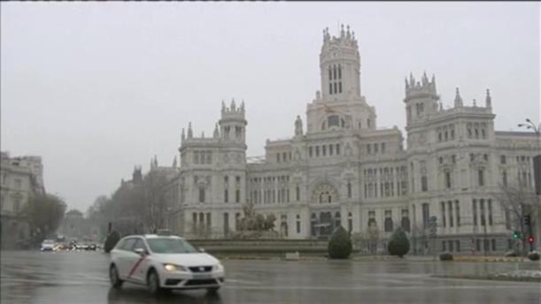 Πυκνή χιονόπτωση στη Μαδρίτη