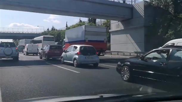 Κυκλοφοριακό χάος στην Αττική οδό στη Πεντέλη προς αεροδρόμιο