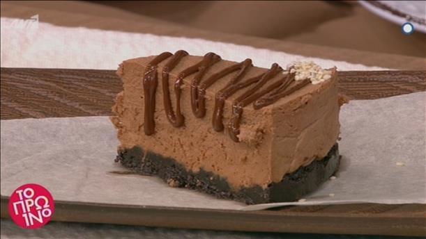 Νηστίσιμη τούρτα με σοκολάτα και ταχίνι από τον Δημήτρη Μακρυνιώτη