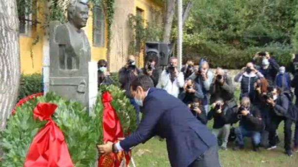 Επέτειος του Πολυτεχνείου: Στεφάνι κατέθεσε ο Αλέξης Τσίπρας στο ΕΑΤ-ΕΣΑ
