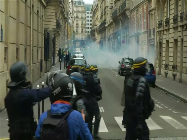 Μάχες στους δρόμους του Παρισιού
