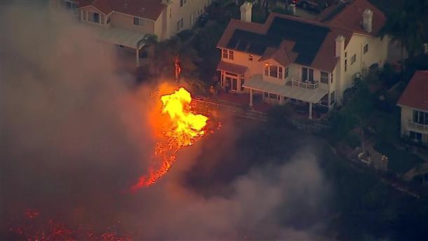 """""""Κόλαση φωτιάς"""" στην Καλιφόρνια"""