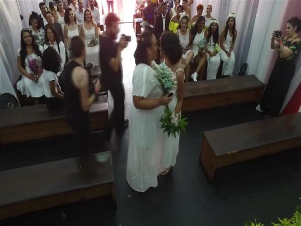 Μαζικός γάμος γκέι ζευγαριών στη Βραζιλία