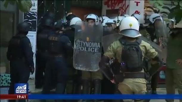 Υπό αστυνομικό κλοιό οι εορτασμοί για το Πολυτεχνείο