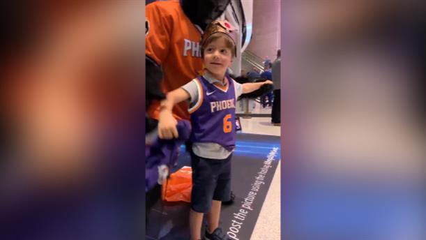 Ο 6χρονος Τέντι από την Αριζόνα καλεσμένος των Φοίνιξ Σαν