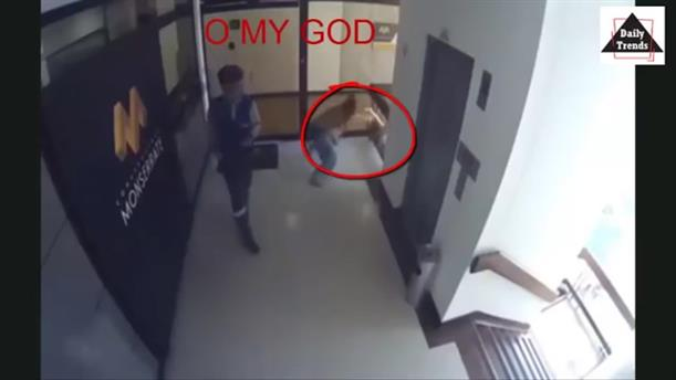 Έπιασε το παιδί της λίγο πριν πέσει από τον 4ο όροφο