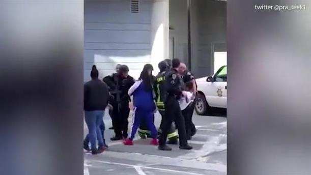 Πυροβολισμοί σε εμπορικό κέντρο στην Καλιφόρνια